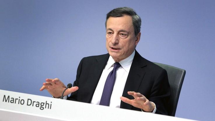 """Draghi: """"Parole del governo hanno fatto danni all'Italia, Ora fatti"""""""