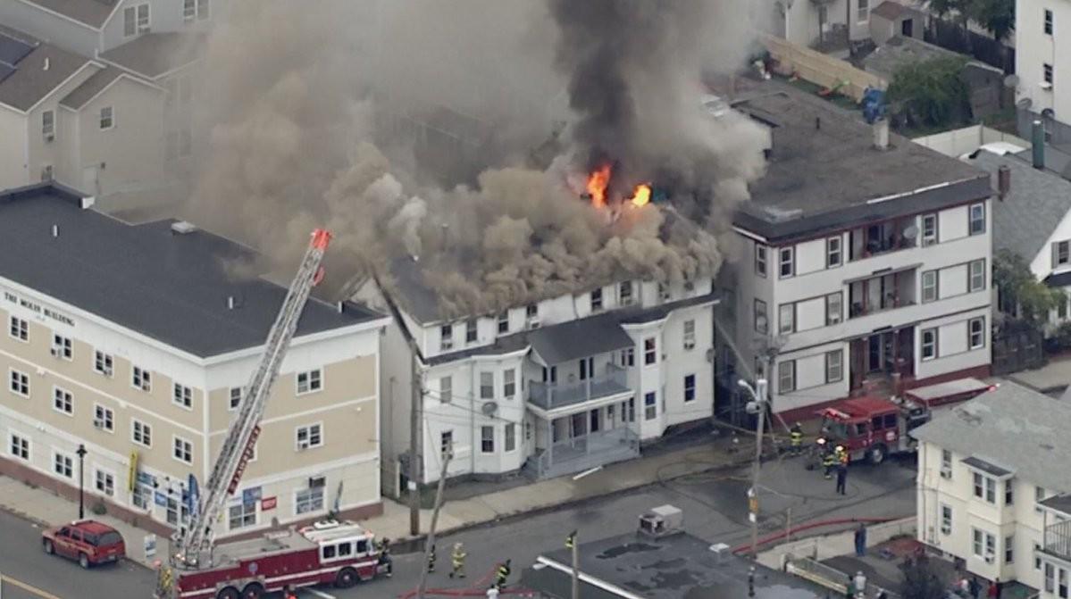 Inferno a Nord di Boston: fughe di gas e esplosioni in una vasta zona: feriti