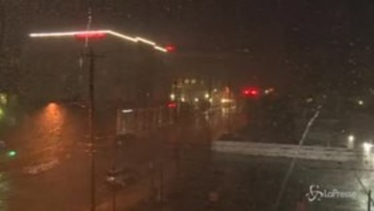 L'uragano Florence tocca terra: 100mila case al buio