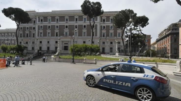 Roma, donna violentata davanti al Viminale: un 37enne in manette