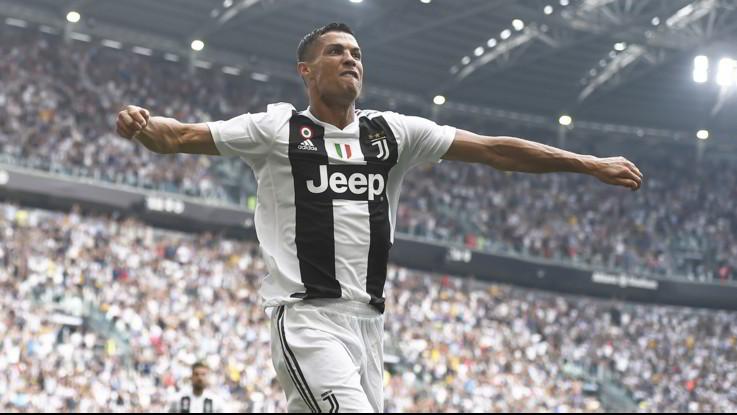 Serie A, si sblocca CR7: doppietta al Sassuolo, Juve in testa da sola
