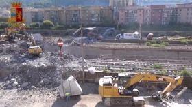 Ponte Genova, tra le macerie con la polizia scientifica: le nuove immagini