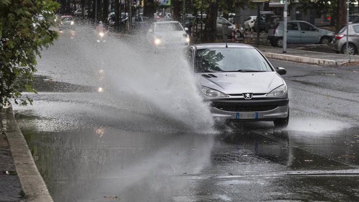 Nuvole e pioggia, arriva il brutto tempo: il meteo del 18 e 19 settembre