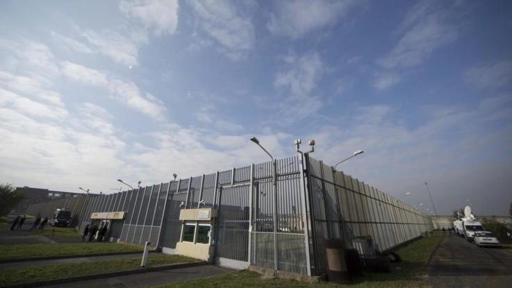 Roma, detenuta uccide la figlia in carcere, avviato accertamento morte cerebrale per il secondo bambino. Sospesi i vertici di Rebibbia