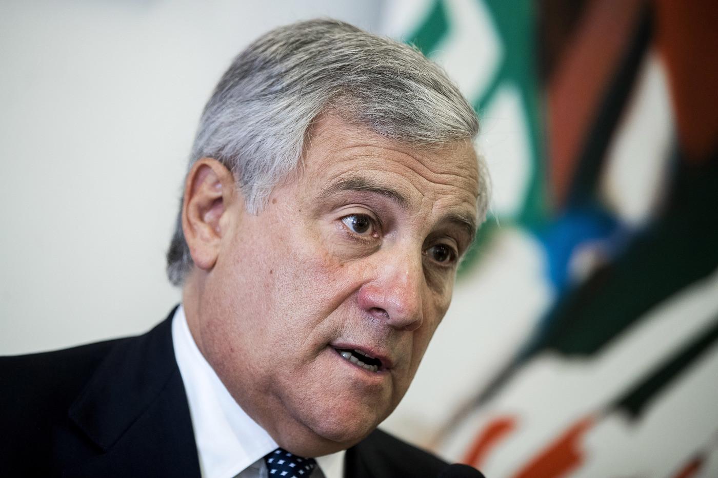 """Migranti, Tajani: """"Governo italiano troppo debole, servono risultati concreti"""""""