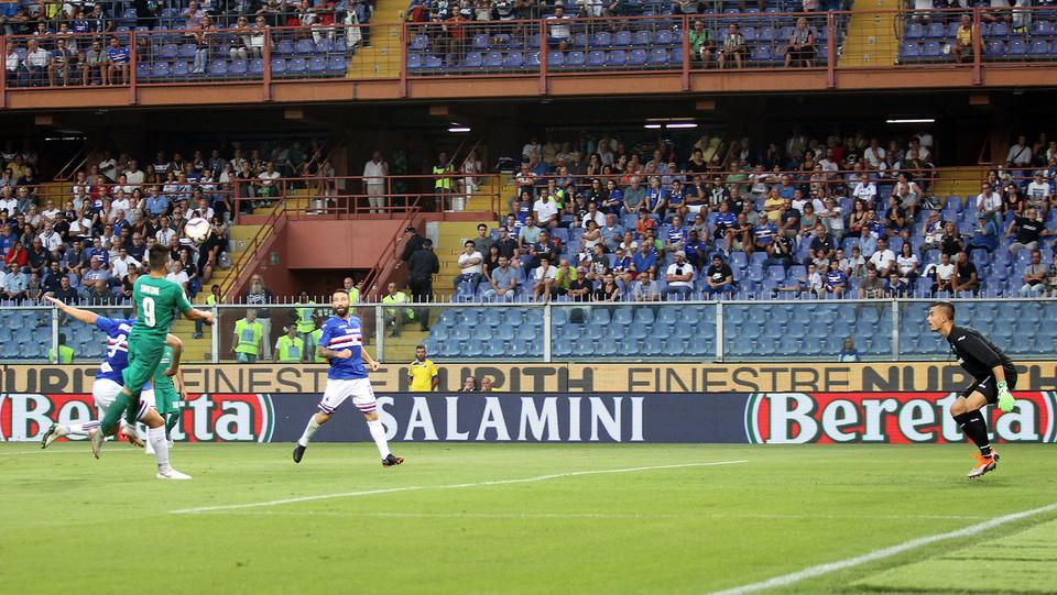 Simeone segna l'1-0 per i toscani ©