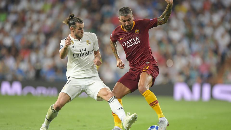 Gareth Bale (Real Madrid) e Aleksandar Kolarov (Roma) ©