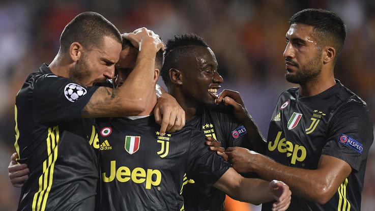 Champions, Juve super anche senza CR7 espulso per una 'pettinata'