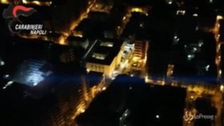 Droga e armi nel Napoletano: 21 arresti, 9 sono donne