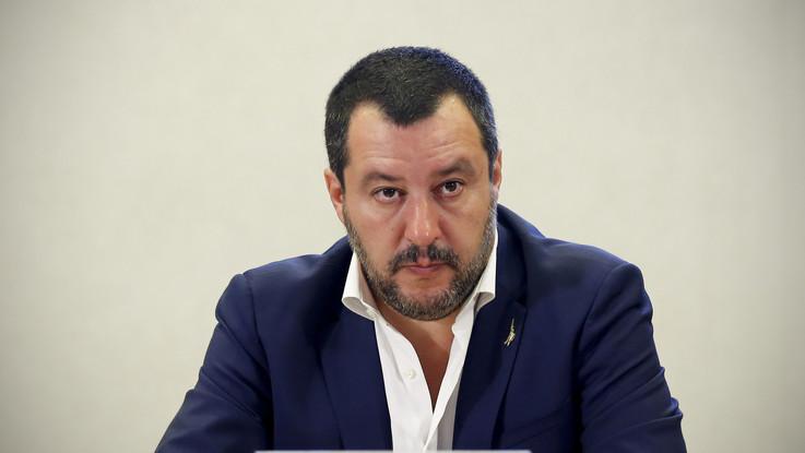 Manovra, la ricetta di Salvini: quota 100, flat tax e pace fiscale, no aumenti Iva