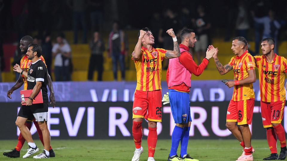 Serie B: Benevento-Salernitana 4-0 - Asencio dopo il gol del 4-0 ©