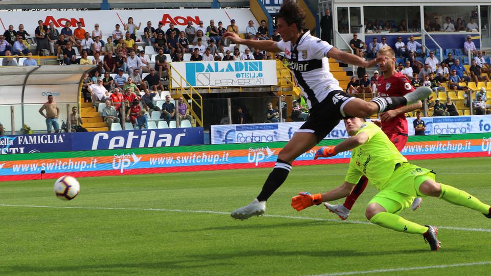Al 20' il Parma passa in vantaggio grazie al gol di Inglese ©