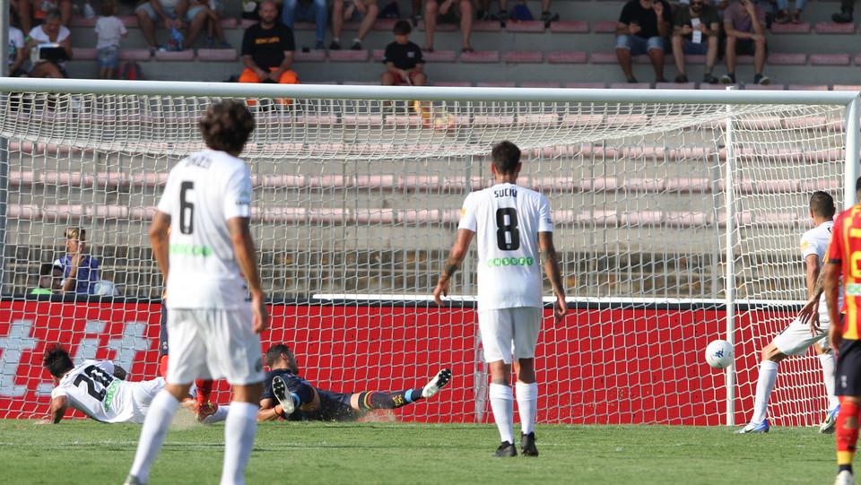 Serie B: Lecce-Venezia 2-1 - 60' Di Mariano porta in vantaggio il Venezia ©