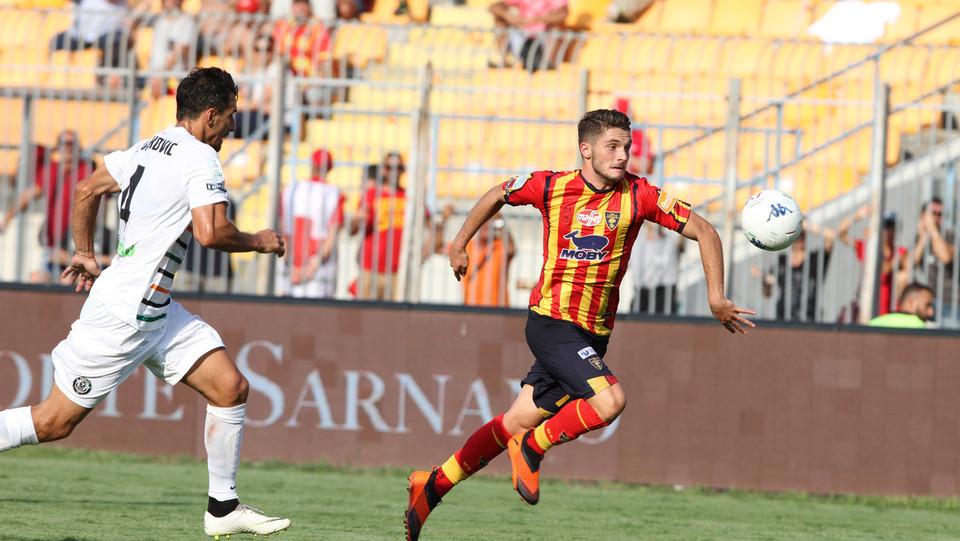 Serie B: Lecce-Venezia 2-1 - Al 91' ancora Palombi che porta il Lecce in vantaggio ©