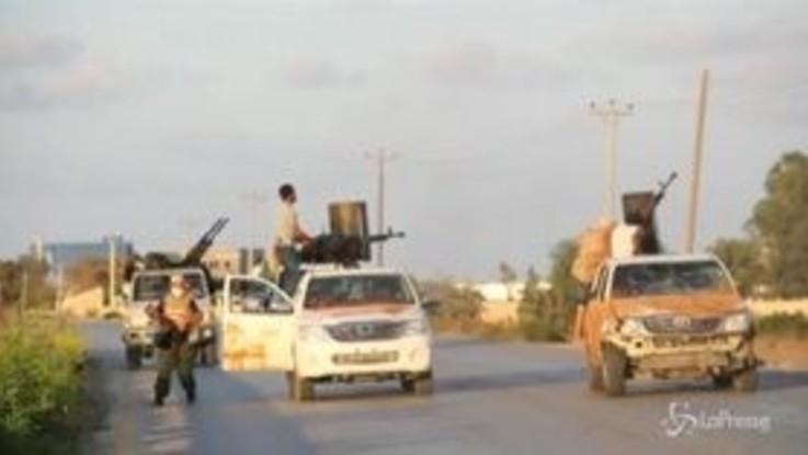 Libia, si combatte a sud di Tripoli