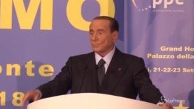 """Audio Casalino, Berlusconi: """"In una democrazia avrebbe le valigie in mano"""""""
