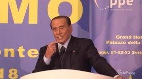 """Berlusconi annuncia: """"Torno in campo"""""""