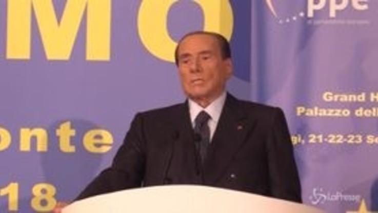 """Berlusconi: """"Salvini? A volte sgradito, ma lo fa per non litigare con il M5s"""""""