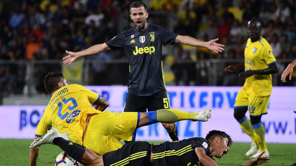 Pjanic lamenta un fallo di Capuano su Dybala ©