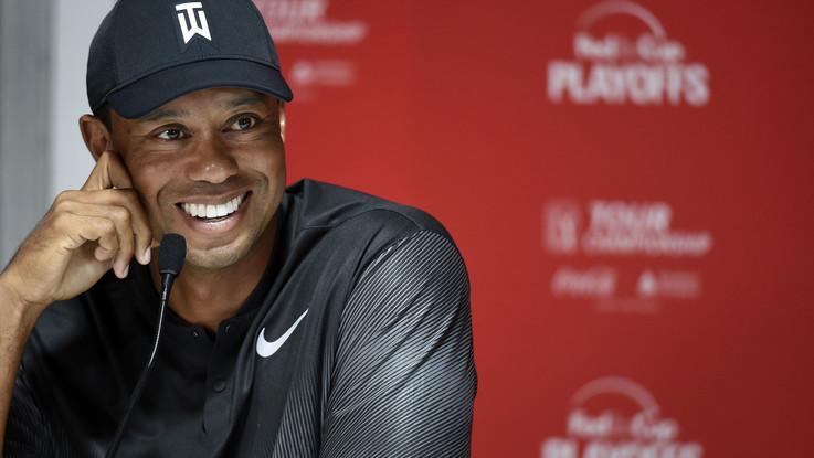 Golf, Tiger Woods torna a vincere dopo cinque anni: è suo il Tour Champions