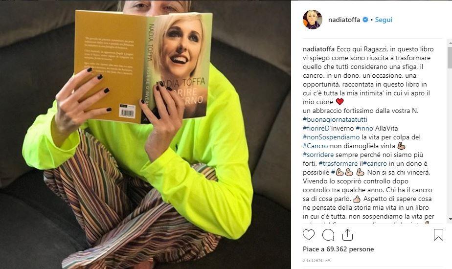 """Nadia Toffa: """"Ho trasformato il cancro in un dono"""". È polemica sui social"""