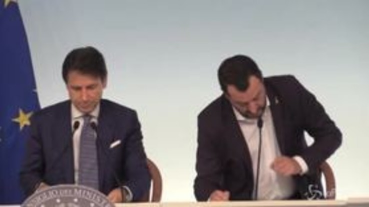 """Dl Sicurezza, Salvini: """"Protezione internazionale in sei casi. Stop a richiesta asilo se condannati"""""""