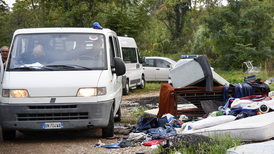 L'arrivo della polizia romana ©