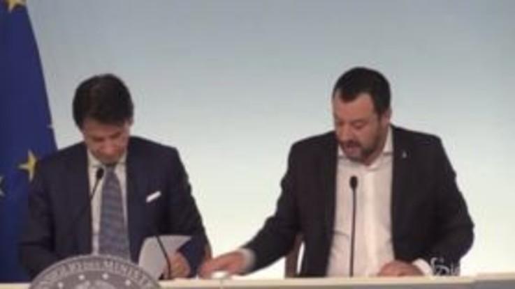 """Rifugiati, Salvini: """"Solo per titolari di protezione internazionale e minori non accompagnati"""""""