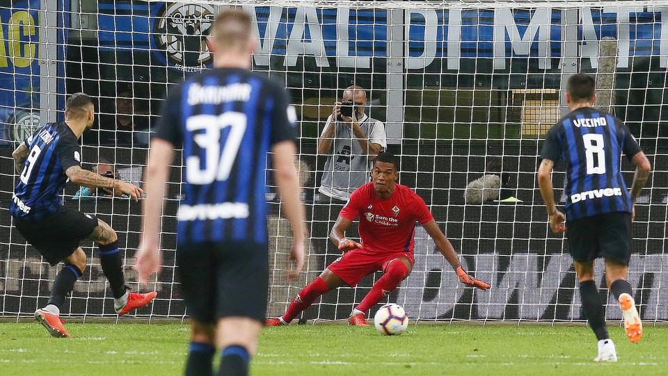 Icardi segna l'1-0 da rigore ©