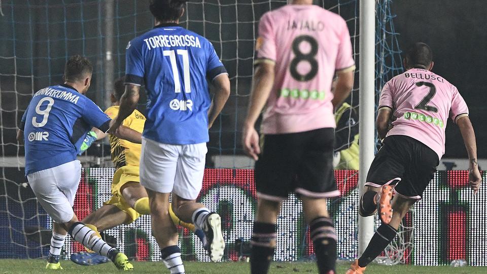 Brescia-Palermo - gol del 2-0 di Donnarumma ©