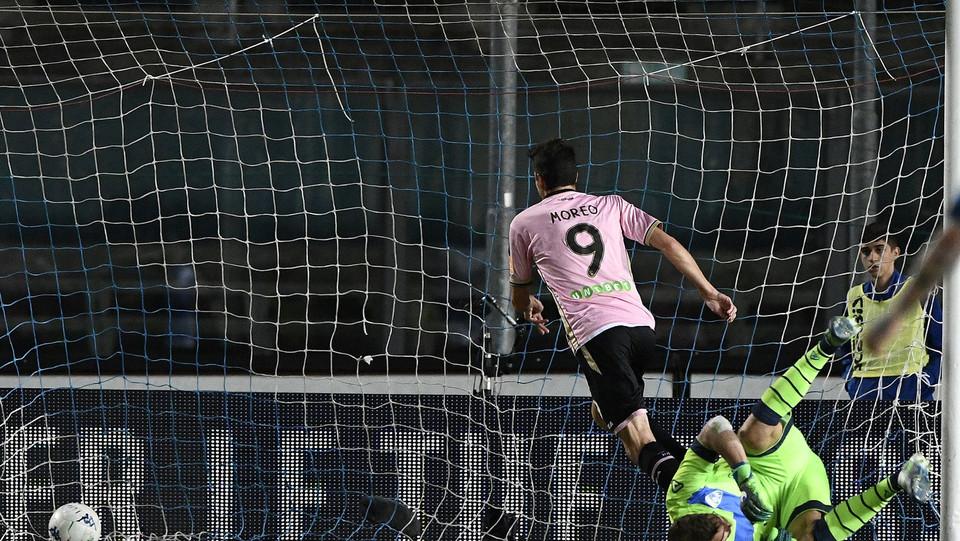 Brescia-Palermo - Moreo segna il gol del 2-1 ©