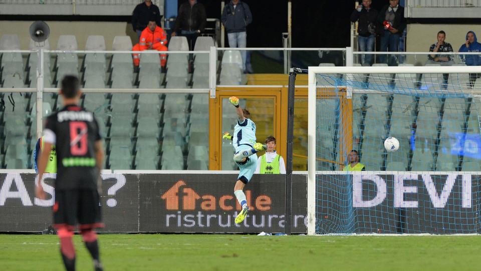 Pescara-Crotone - Il gol del pari di Benali ©