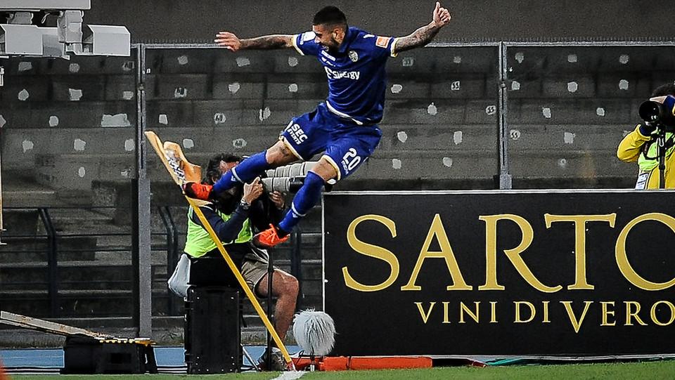 Verona-Spezia - Zaccagni festeggia il gol della vittoria ©