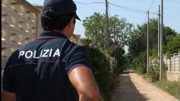 """Rapina nella villa a Lanciano: fermato il quarto romeno. Salvini: """"Straniero infame"""""""
