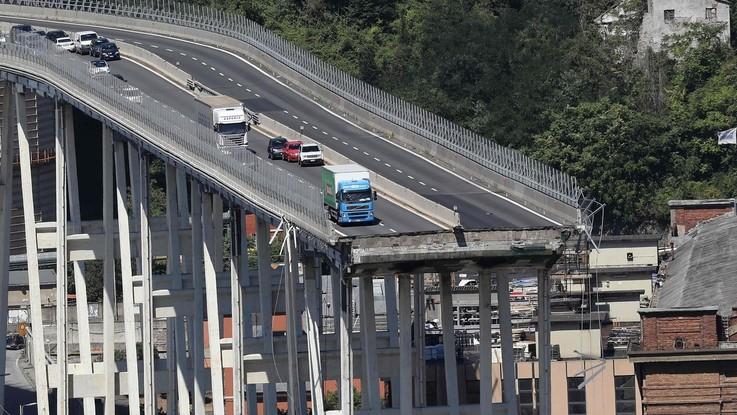 Genova Ponte Morandi decreto protesta dei genovesi