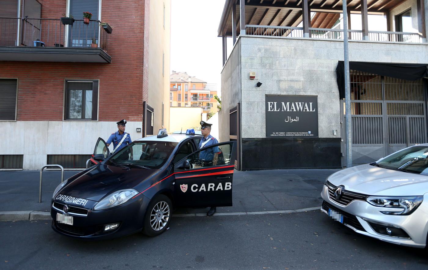 Piacenza, donna trovata morta in casa con tagli alla gola: fermato il marito