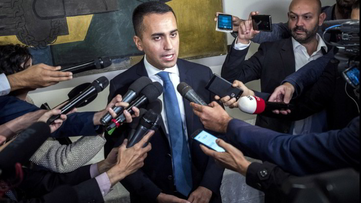 """Manovra, Di Maio: """"Deficit 2,4% non è sfida a Ue. Non vogliamo uscire dall'euro"""""""