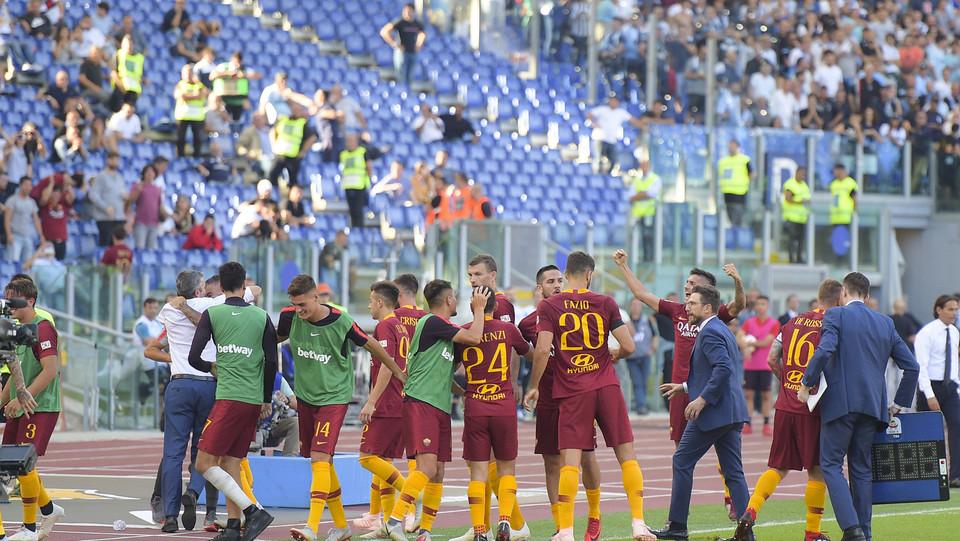 Poi è Fazio a chiudere i conti. Finisce 3-1 per la Roma il derby della Capitale ©