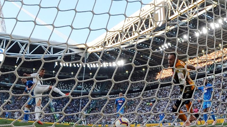 Di testa, dopo un cross di Ronaldo ©