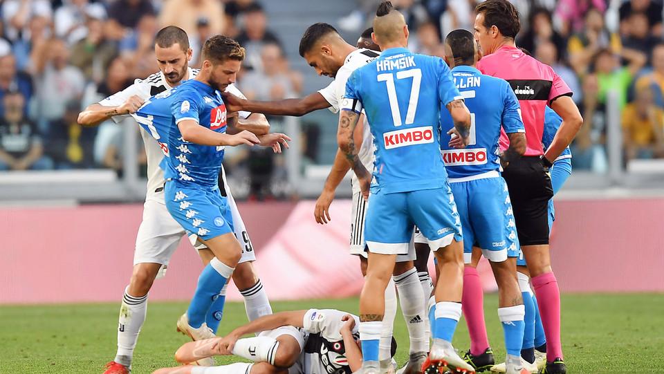 Per il Napoli non solo il 2-1 è beffa, ma anche l'espulsione di Mario Rui ©