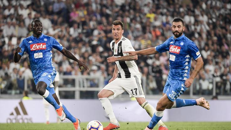 Serie A: Mario Rui un incubo, cuore Mandzukic. Le pagelle di Juventus-Napoli 3-1