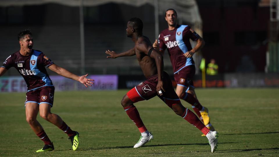 Salernitana-Verona 1-0. E corre a perdifiato verso la panchina ©