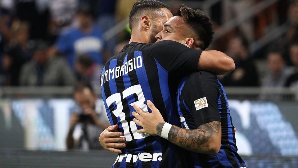 E viene abbracciato da D'Ambrosio ©