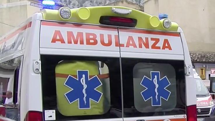 Addio al celibato finisce in tragedia a Treviso, rissa con i coltelli: un morto