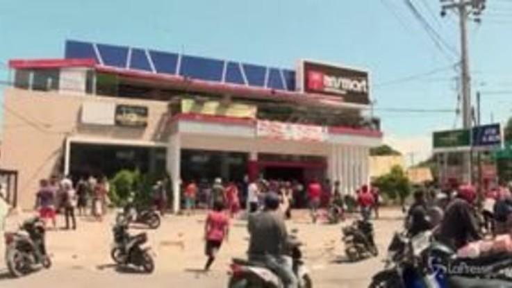 Sisma Indonesia, i morti sono oltre 800