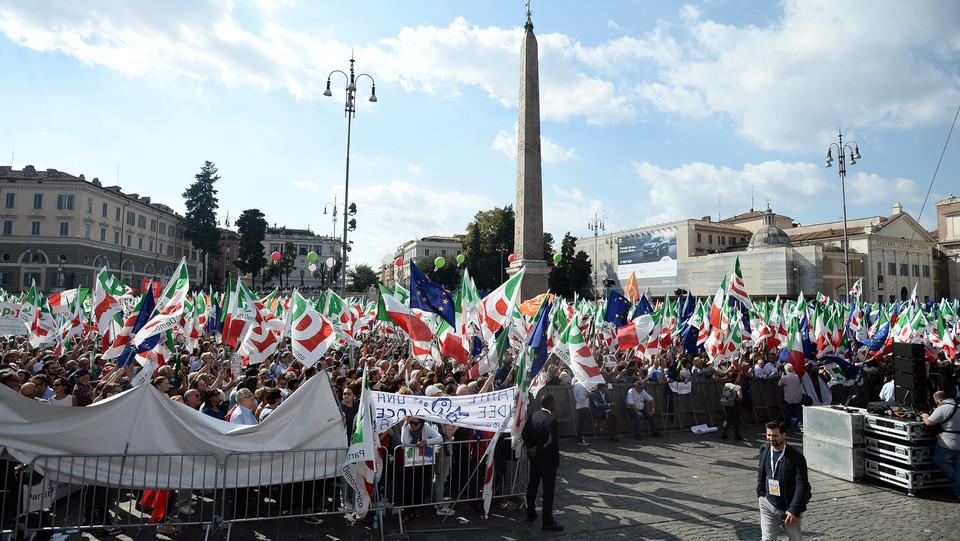 I manifestanti a piazza del Popolo ©