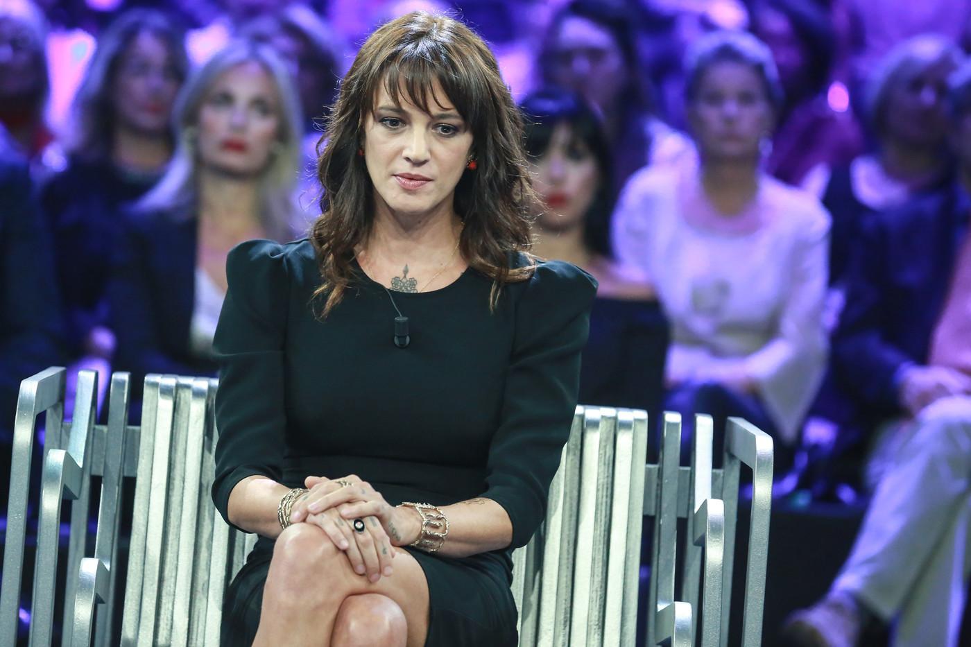 """Asia Argento si difende: """"È stato Bennett ad aggredirmi. Voglio tornare a X Factor"""""""
