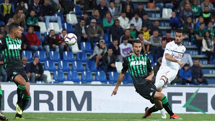 Serie A, Gattuso respira: il Milan dilaga a Sassuolo per 4-1