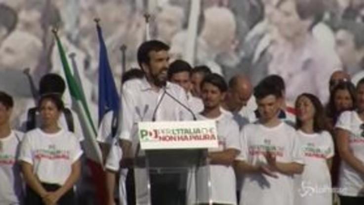 Dem in piazza contro il Governo. Salvini: Il Pd non esiste