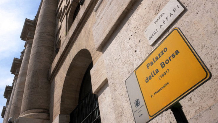 Borsa, spread Btp-Bund vola a 295 punti base in apertura